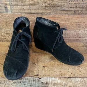 Toms Desert wedge black suede booties Size 8.5